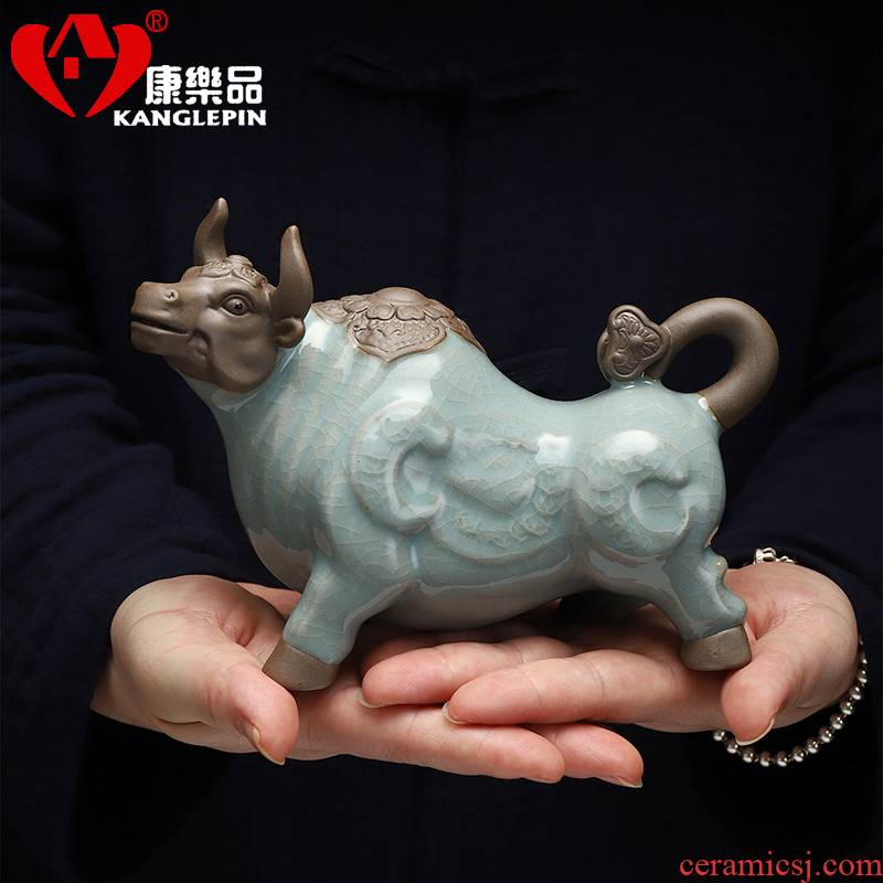 Recreation open piece of cow elder brother up with tea pet furnishing articles ceramic household adornment of Chinese zodiac cattle tea tea to play