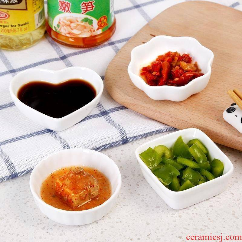Snacks Japanese pickled flavor dish of soy sauce vinegar small ceramic plate creative household dip bowl touch water mini plate