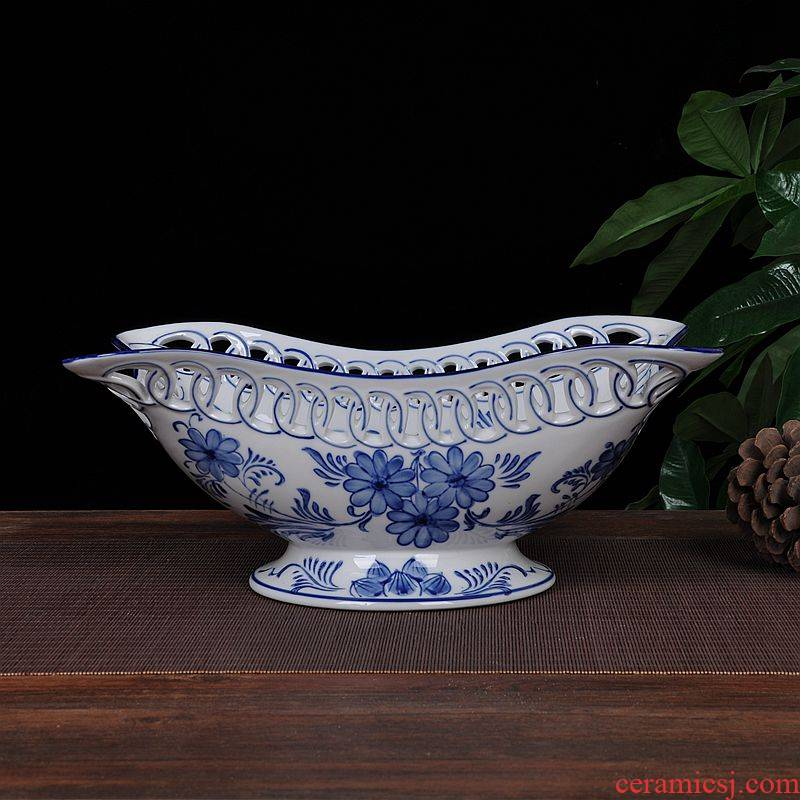 Scene, hand - made porcelain jingdezhen ceramics hollow - out large fruit bowl sitting room of Chinese style household act the role ofing is tasted furnishing articles