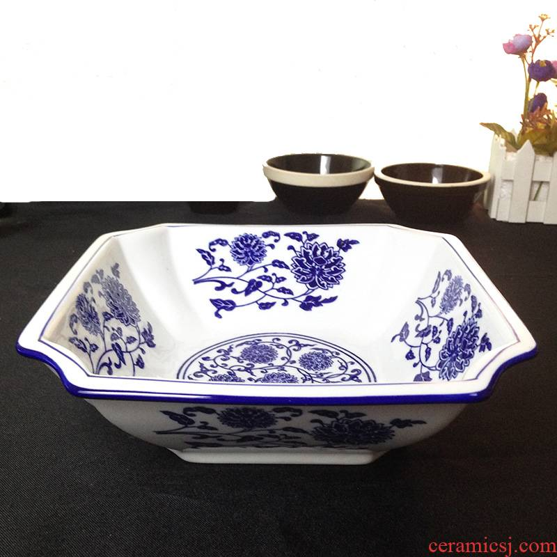 Hotel have the blue and white porcelain bowl ceramic tableware characteristics of square bowl of soup bowl rainbow such as bowl of soup bowl of household food bowl
