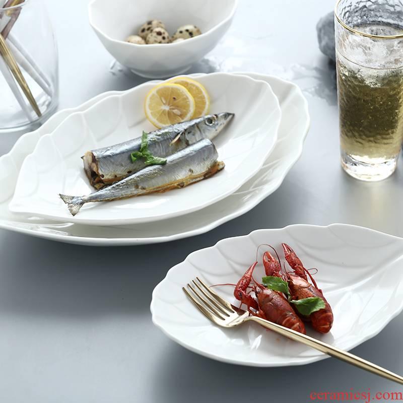 The New ideas of irregular household ceramic disc beefsteak dish hotel restaurant tableware pure white fish dish