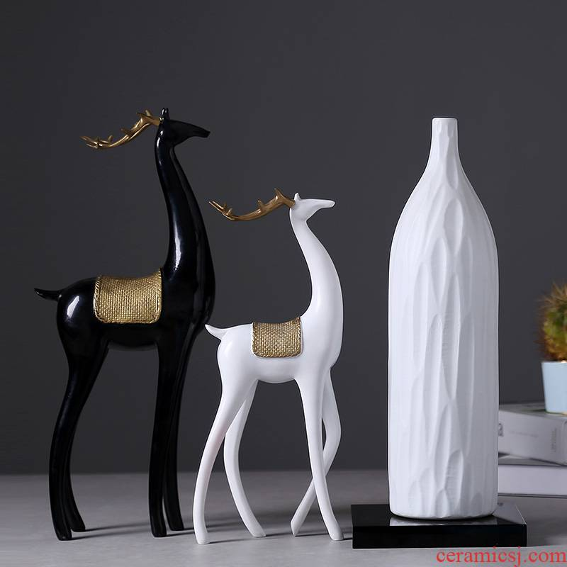 Ins the modern creative white pottery and porcelain vase mesa dried flowers flower arrangement art home decoration