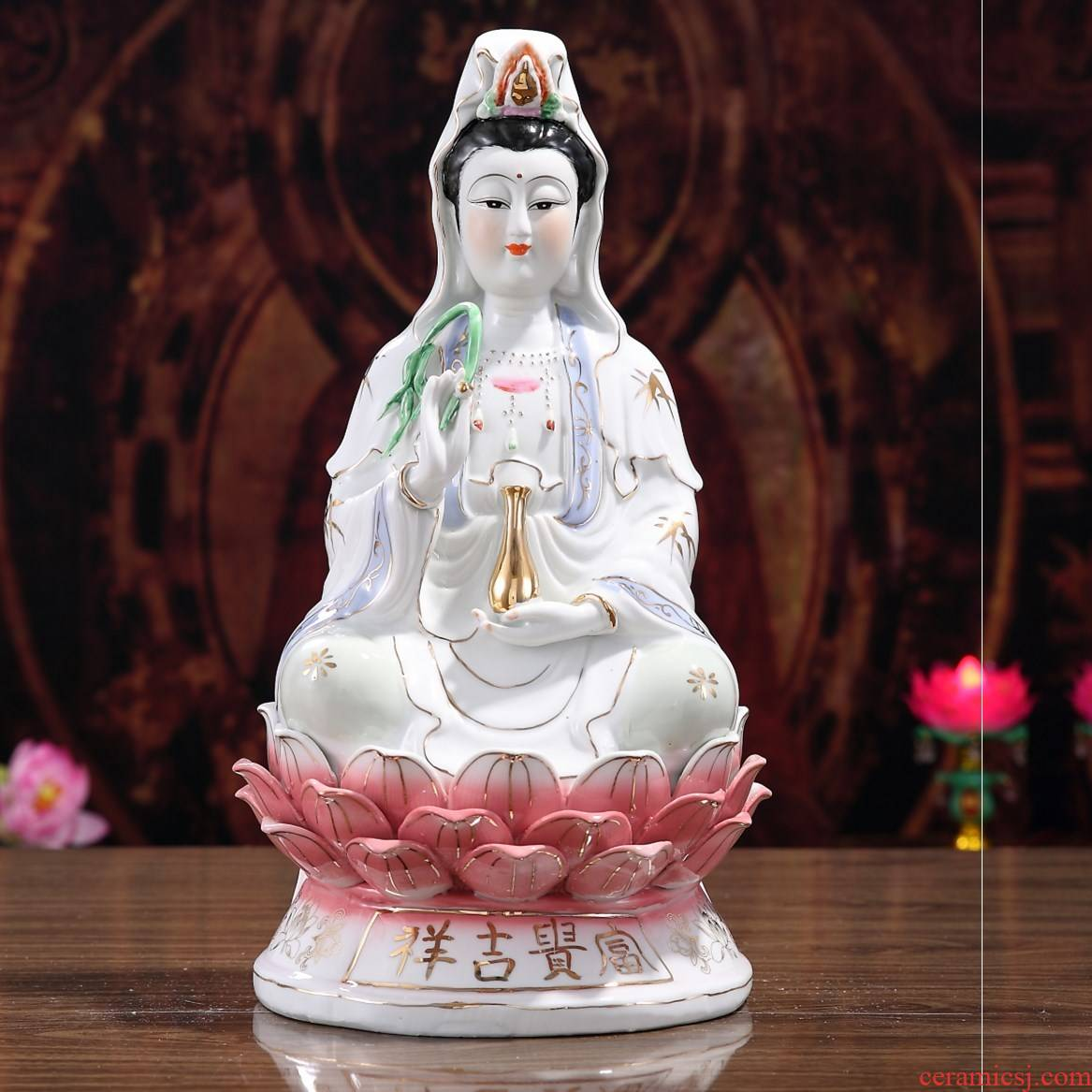Medallion of Buddha in the south China sea guanyin bodhisattva household safety in avalokitesvara furnishing articles guanyin ceramic figure