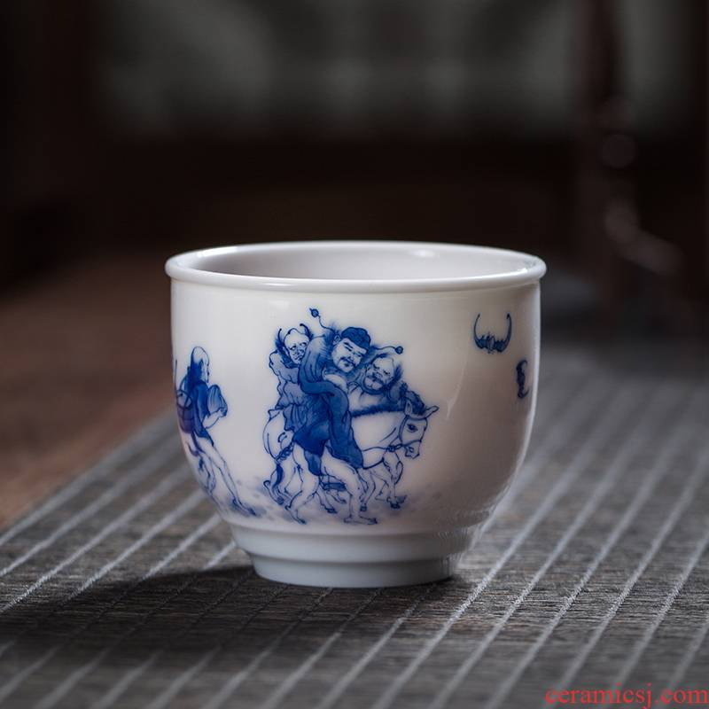 The Owl up with jingdezhen ceramic manual hand - made character, informs the to kung fu tea master single cup tea tea cup