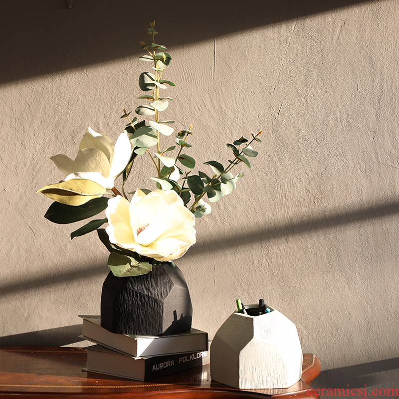 Nordic contracted table place hotel ceramic vase sample room geometry flower arranging flowers sitting room adornment