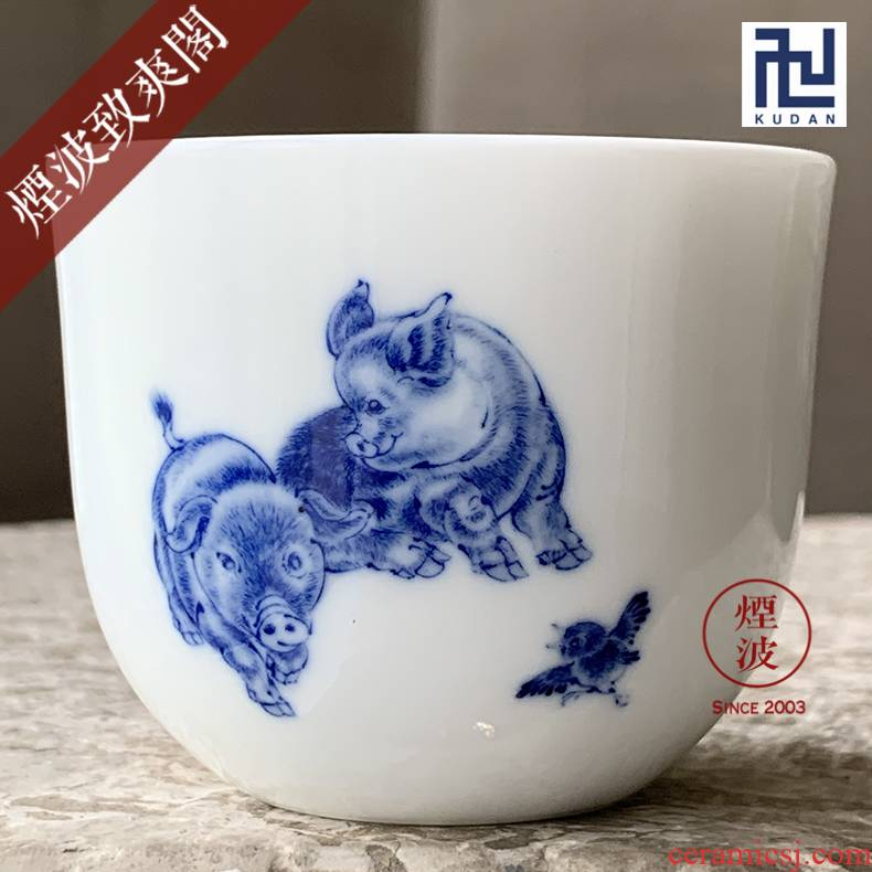 The smoke jingdezhen nine calcinations hand - made infiltrator (#) of The qianlong nine chicken cylinder of blue and white porcelain cup tea cups
