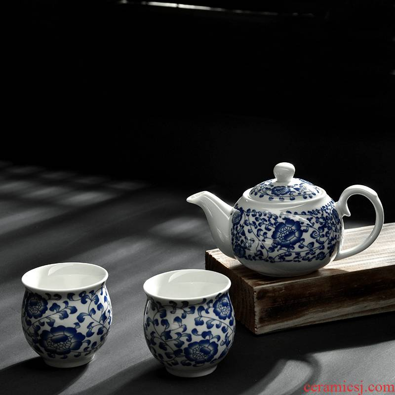Blue and white porcelain kung fu tea set a ceramic teapot double not hot pot of two simple office make tea with cups