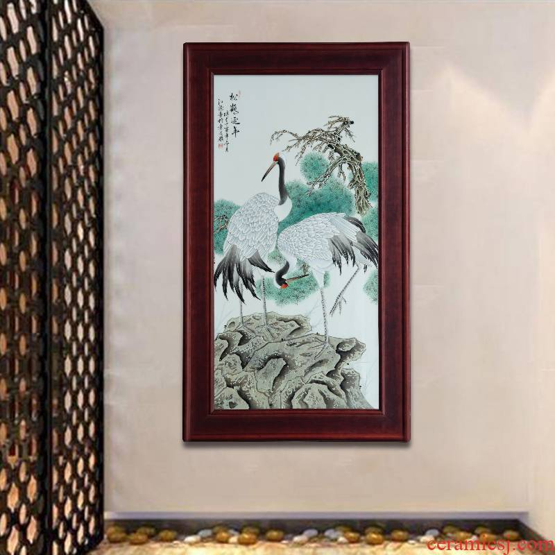Jingdezhen porcelain plate painting Chinese painting home sitting room adornment study background wall painting pine crane live hang a picture