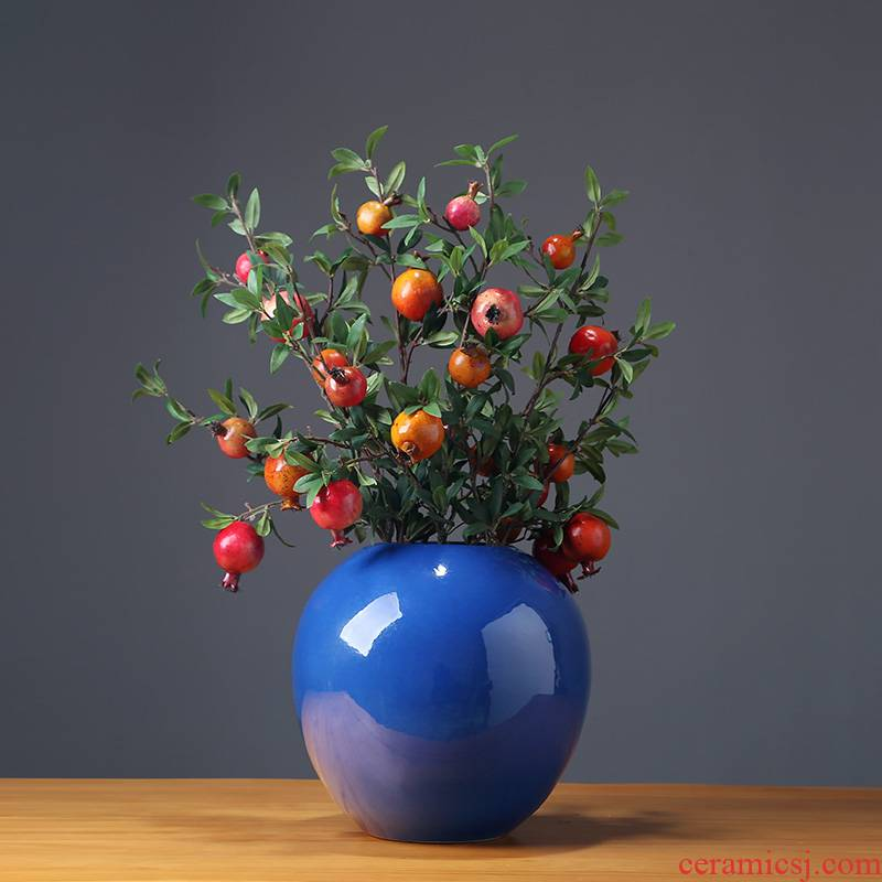 The New Chinese jingdezhen ceramics vase modern household adornment ornament between model rich ancient frame is placed in the living room