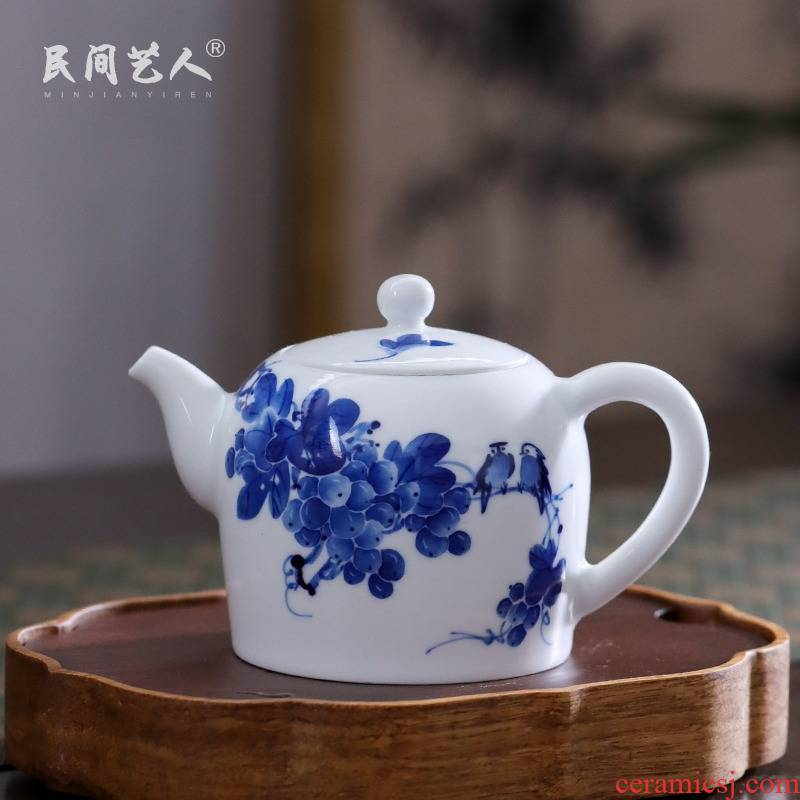 Grape little teapot of blue and white porcelain of jingdezhen ceramic hand - made tea ware household kung fu tea kettle with one person