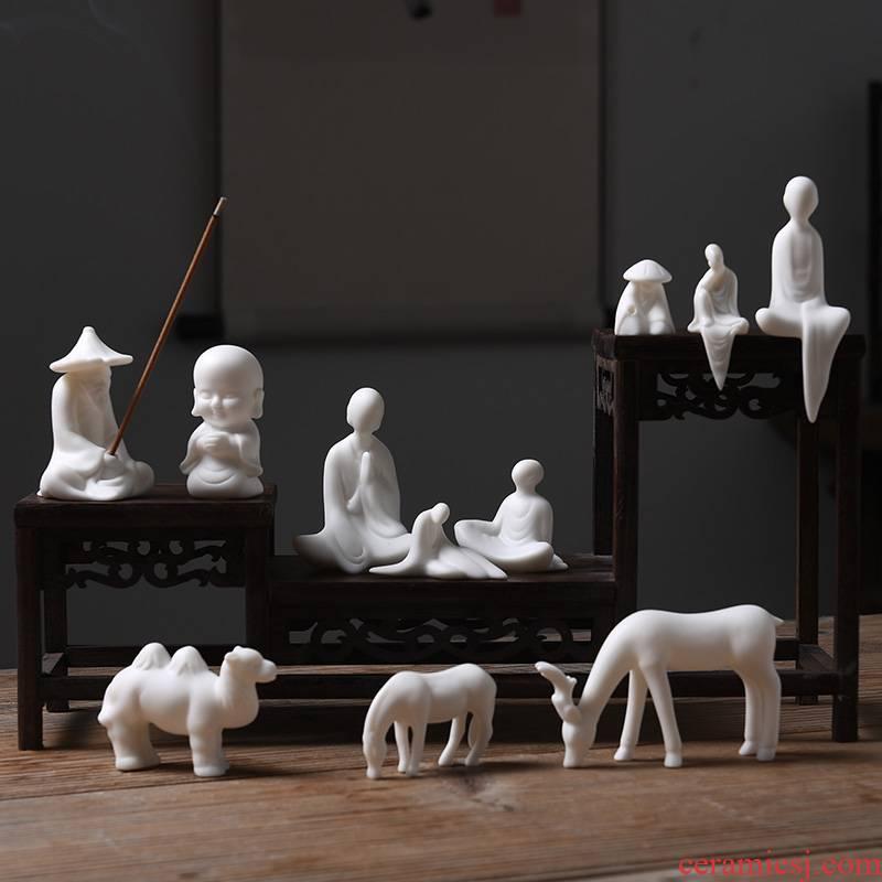 Furnishing articles pet boutique tea can keep white porcelain animal fishing cicada ceramic mini little bonsai parts small Buddha zen