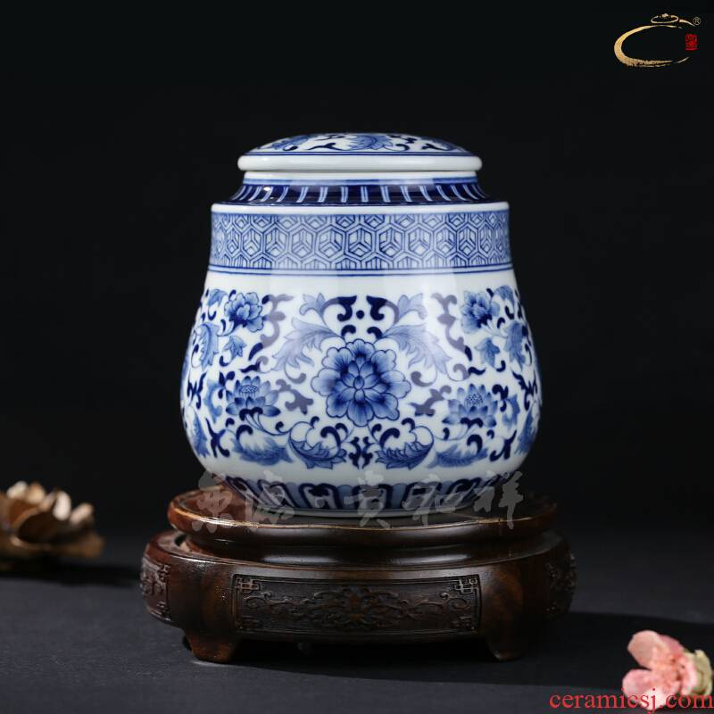 Beijing 's blue and white flowers and birds and auspicious save tea caddy fixings jingdezhen ceramics receives gifts tea packaging gift box