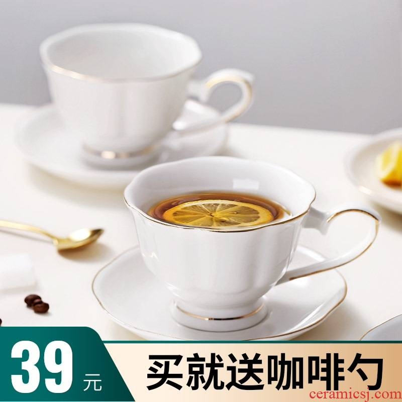 Bincoo coffee cups and saucers suit small European - style key-2 luxury ipads porcelain key-2 luxury elegant high - grade ipads China ins contracted web celebrity