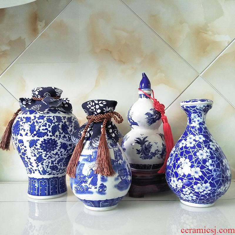 Qiao mu 1 catty 2 jins of 3 kg 5 jins of 10 jins of blue and white porcelain of jingdezhen ceramic small expressions using sealed jar of wine bottle is empty jars