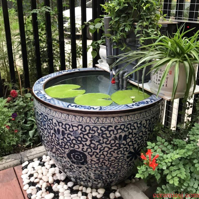 Jingdezhen ceramic aquarium lotus blue and white porcelain painting receives landing sea cylinder feel old - fashioned tank yard outside