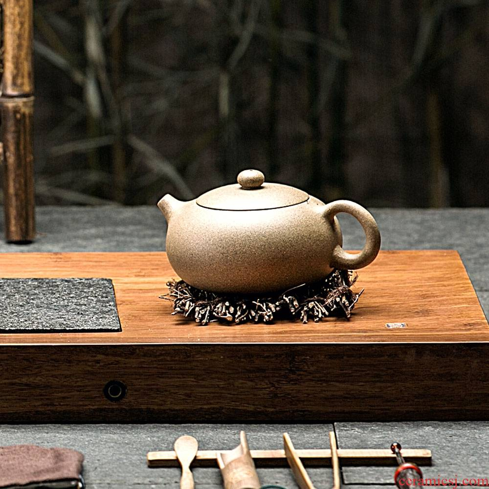Qiao mu kung fu tea set are it pot of the calcined smelting yellow mud yixing teapot pure manual custom tea taking