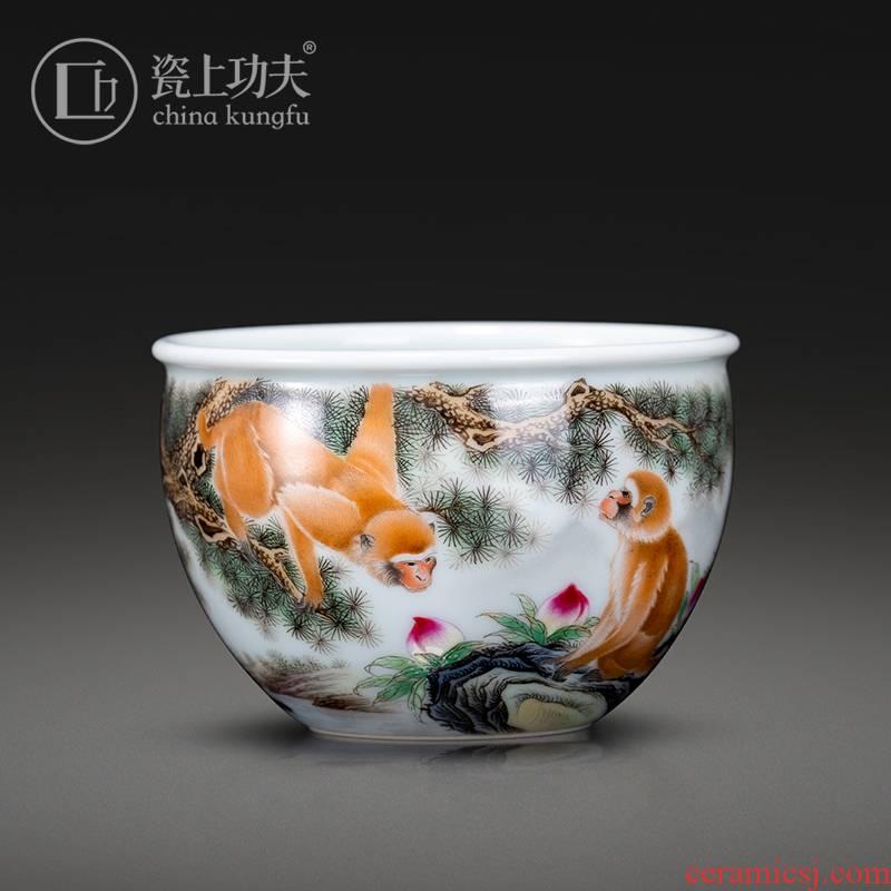 Hand - made colored enamel porcelain on kung fu spirit monkey peach master of jingdezhen ceramic kung fu tea cups cylinder cup bowl