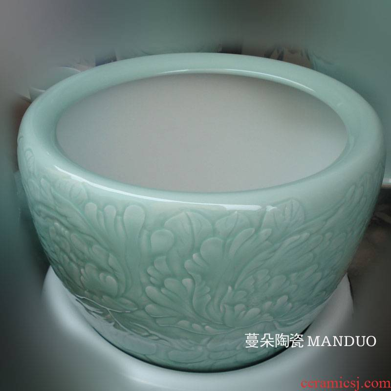 Jingdezhen celadon shadow green peony porcelain carving calligraphy and painting the sitting room furnishings elegant elegant elegant porcelain cylinder