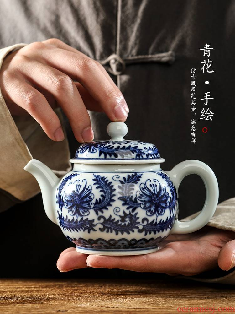 Checking porcelain teapot single pot of jingdezhen hand - made bound lotus flower ceramic tea pot of restoring ancient ways from the teapot