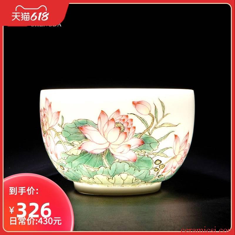 Santa jingdezhen ceramic powder enamel summer lotus fragrance masters cup tea pure manual hand - made kung fu tea sample tea cup