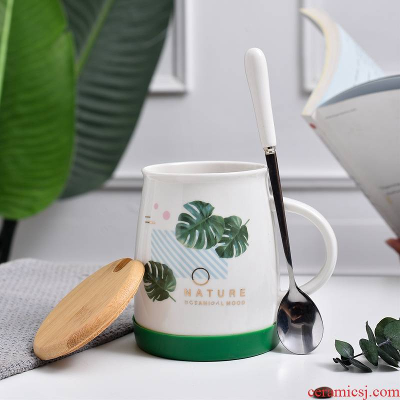 Qiao mu creative mugs ins household ceramic cups with cover the bottom of the cover glass plastic spoon breakfast cup couples turn