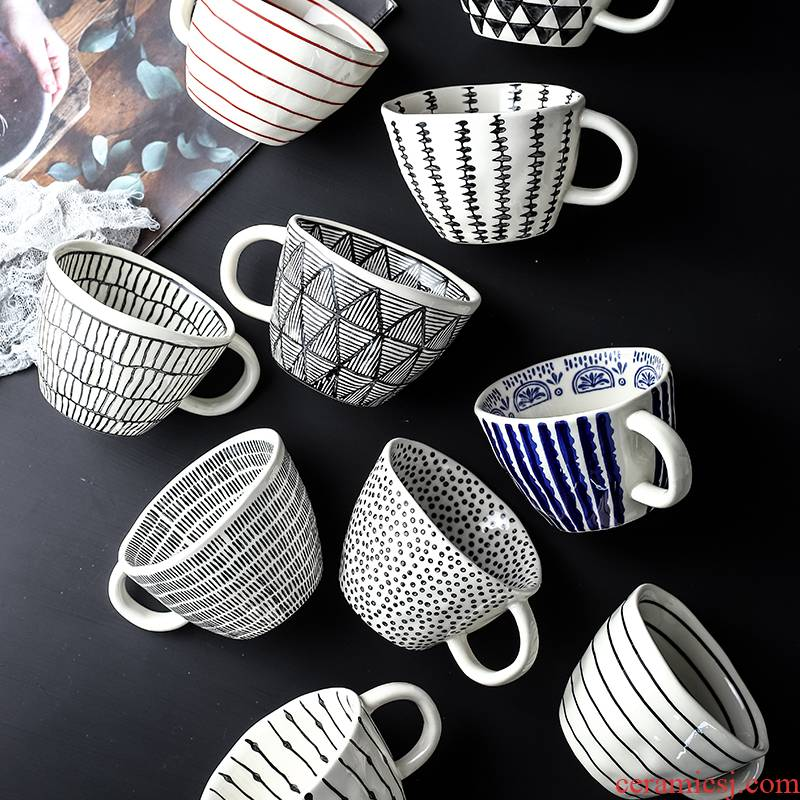 Creative move under the glaze color hand - made ceramic keller cup with a spoon, lovers ultimately responds a cup of coffee cup gift giving