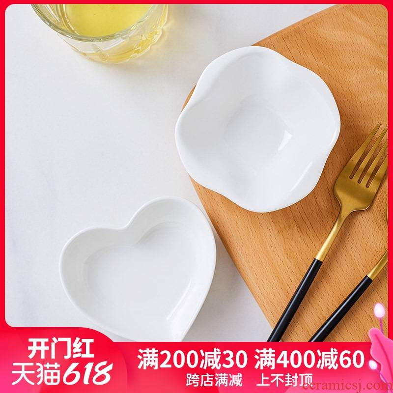 White ipads China creative web celebrity home ceramic dish taste dish of soy sauce dish snack plate vinegar, disc shaped small dishes