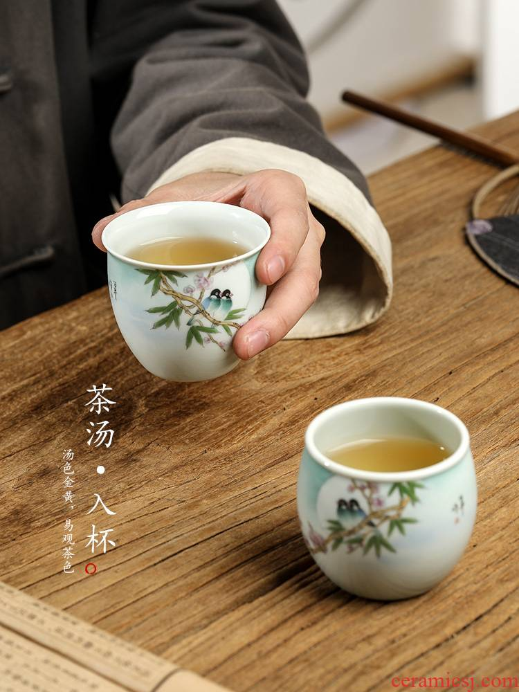 Jingdezhen ceramic masters cup single CPU kung fu tea set sample tea cup and tea cup to restore ancient ways, only pure manual painting of flowers and birds