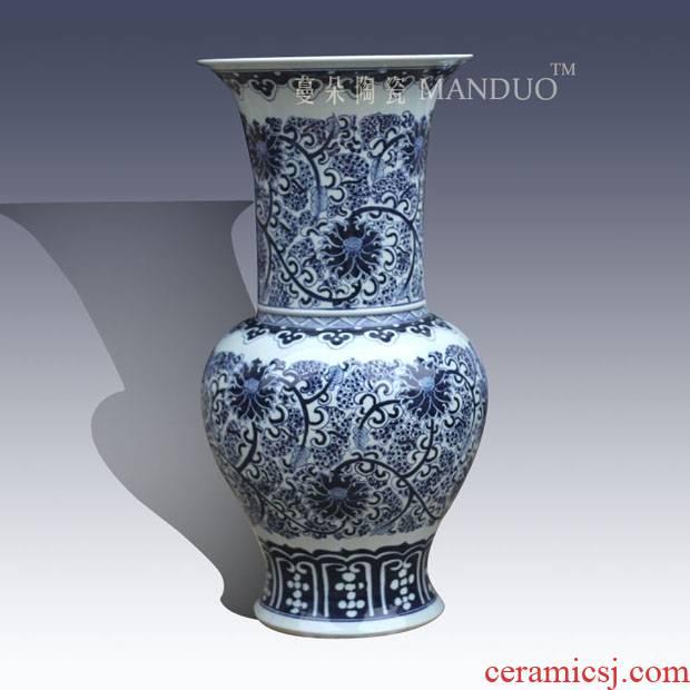 Mesa of jingdezhen blue and white decoration elegant hand - made vases, high - grade blue and white flower vase with classical decorative porcelain vase