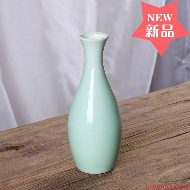 White porcelain jade net bottles of goddess of mercy bottle small flower arranging long neck anddrunkenness ceramic Chinese style furnishing articles for water purification vase before the Buddha