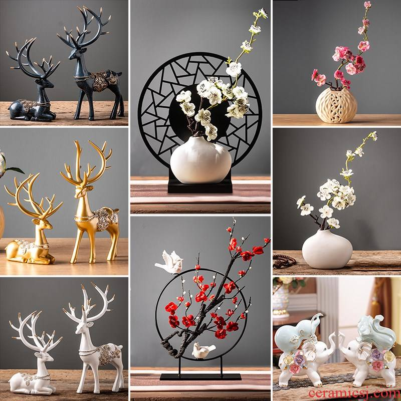 I and contracted sitting room ceramic vase deer furnishing articles TV creative home bookcase wine cabinet room adornment is placed.