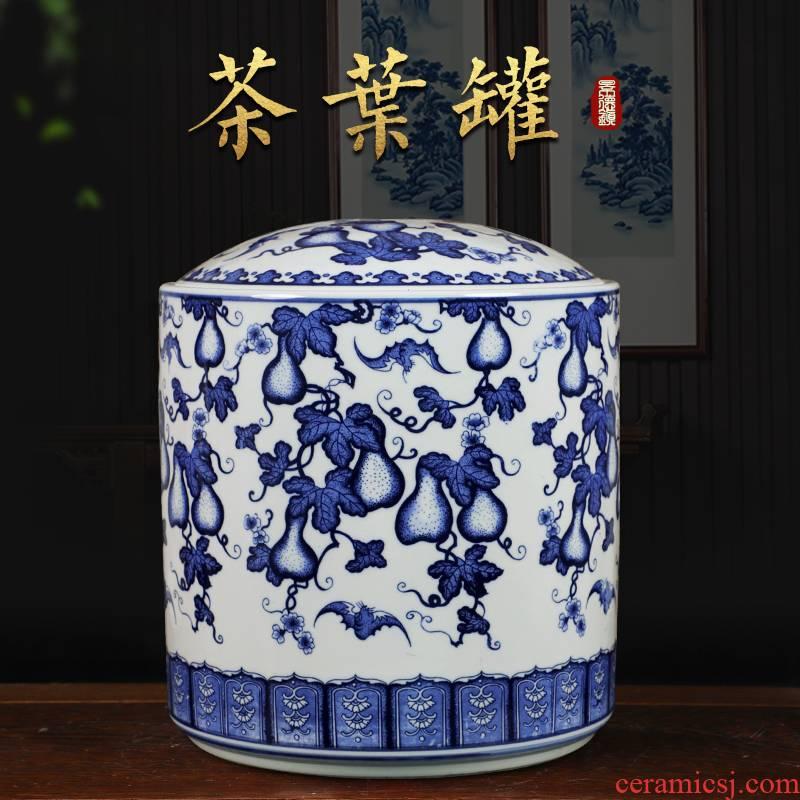 Caddy fixings ceramic seal pot store receives a large blue and white porcelain tea pot of pu 'er tea cake tin boxes