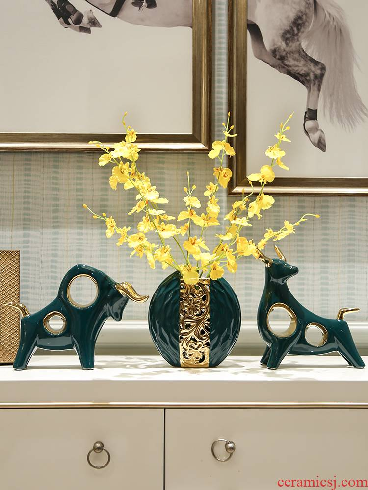 I and contracted furnishing articles ceramic light key-2 luxury wine TV ark, red wine rack handicrafts creative home sitting room adornment