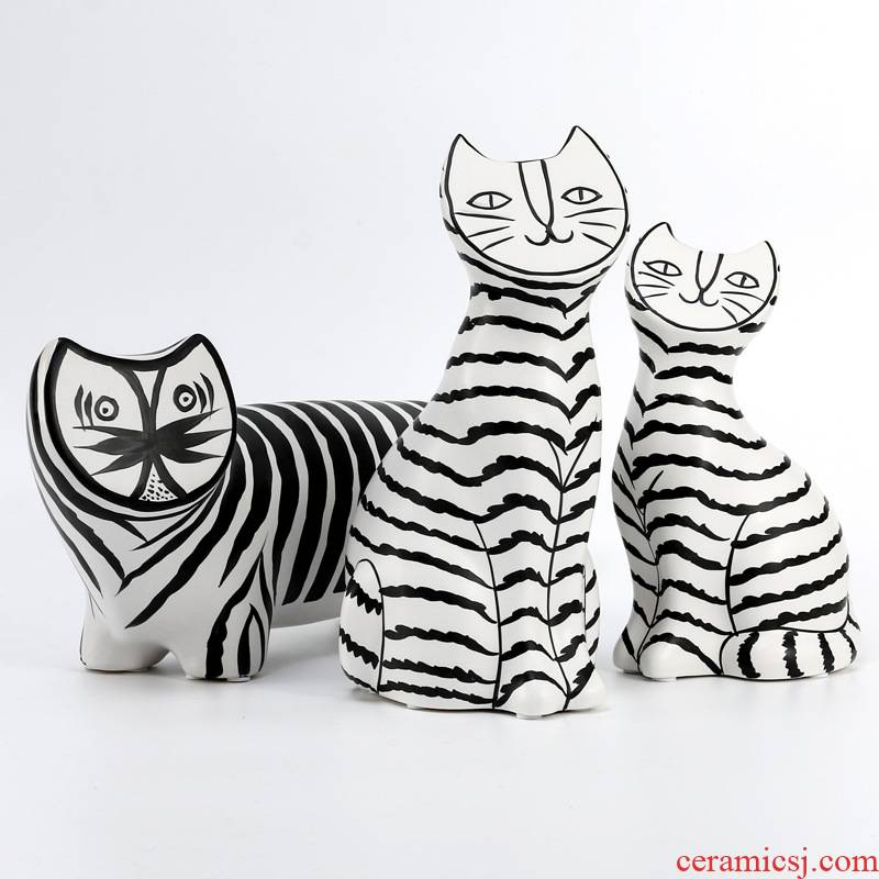 I and contracted ceramic flat face cat sitting room porch place black and white stripe household adornment the example room floor