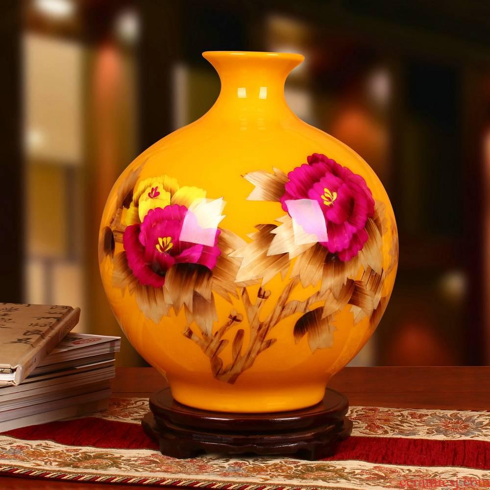 Jingdezhen ceramics vase high - grade straw yellow peony round vase modern Chinese style household furnishing articles